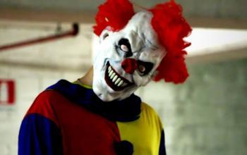 Inquietanti Clown terrorizzano bambini e adulti: non è un film