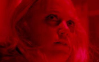 Tau: il trailer del thriller Netflix