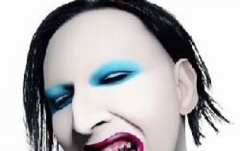 Marilyn Manson e Fox Mulder nell'Area 51