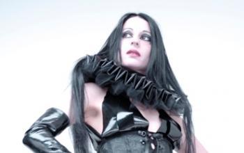 Intervista a Sonya Scarlet dei Theatres Des Vampires