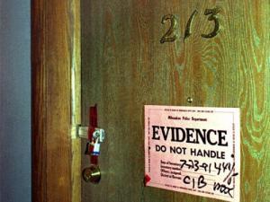 L'appartamento di Dahmer sotto sequestro