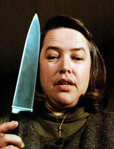 Kathy Bates nei panni di Annie in Misery non deve morire