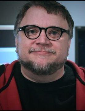 Guillermo del Toro durante l'annuncio su Youtube