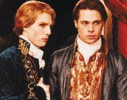 Tom Cruise (a sinistra) nei panni di Lestat nel film Intervista col vampiro
