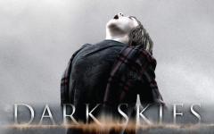 Dark Skies, partecipa all'iniziativa: vinci l'anteprima e la t-shirt del film!